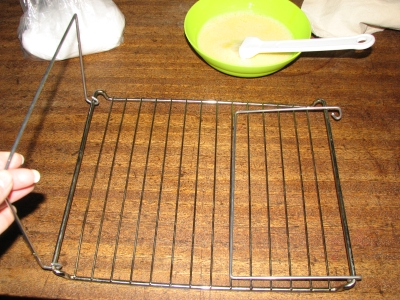 grate with handles