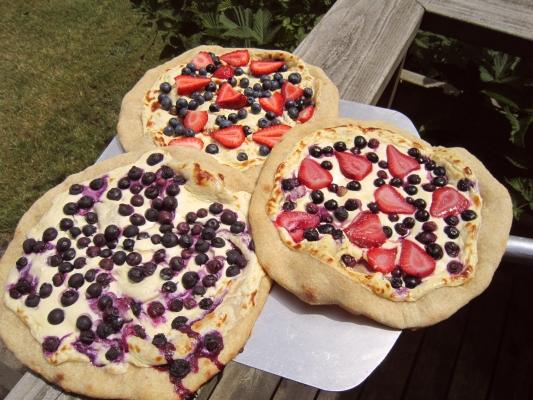 Three dessert pizzas